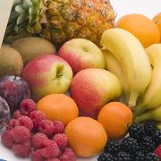 Dans le SynerSTIN, complément alimentaire naturel et Bio du groupe SynerJ-Health du chercheur Jacques Prunier destiné à lutter contre la porosité et la perméabilité intestinale et améliorer la digestion, on retrouve la vitamine D3, la vitamine A, la vitamine la vitamine B3, la vitamine B6, la vitamine B9.